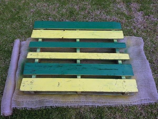 DIY Pallet Garden Adding Soil