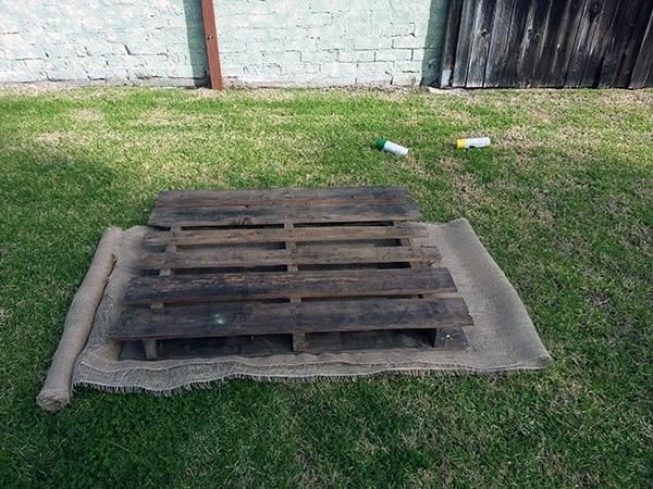 howto build a horizontal pallet garden