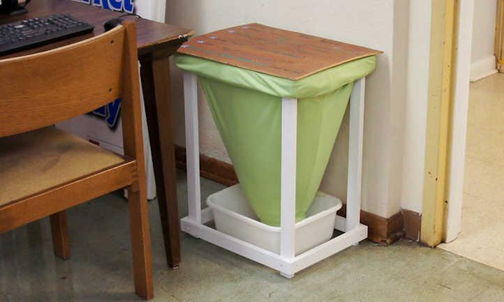 Indoor compost bins