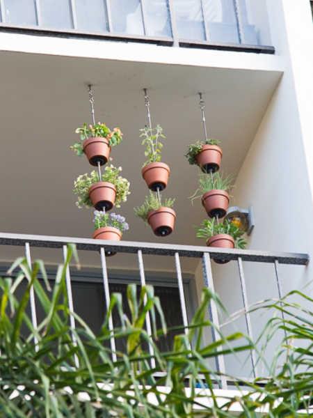 clay pot hanging stacks