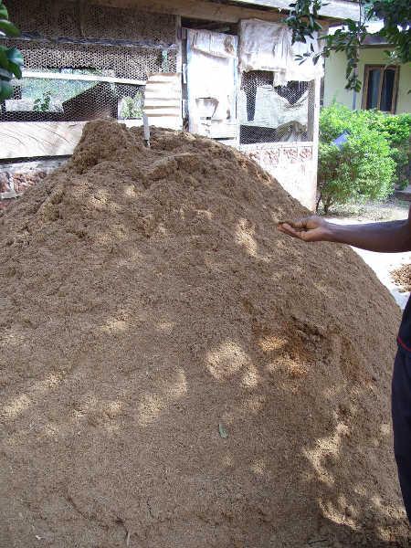 Making mushroom compost