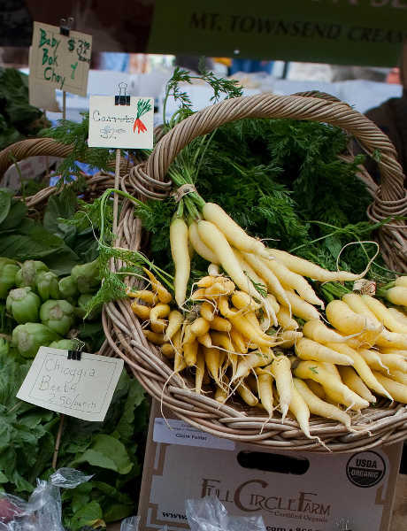 yellow and white carrots