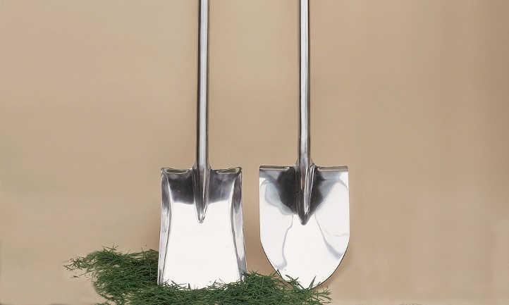 Shovel vs spade