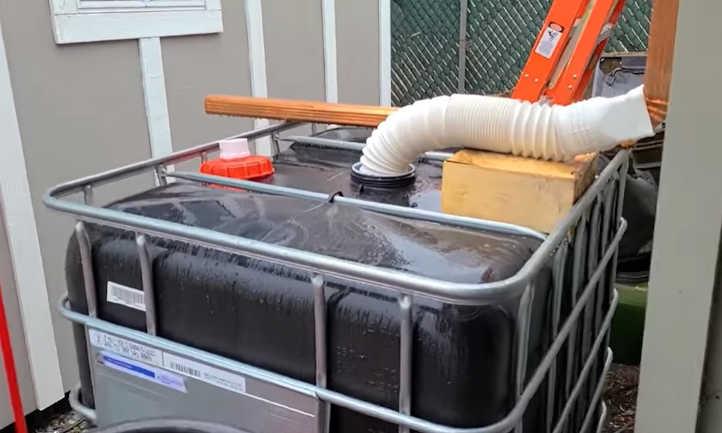 IBC bag for collecting rainwater